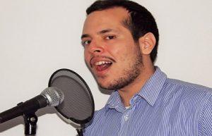 Dan Singing